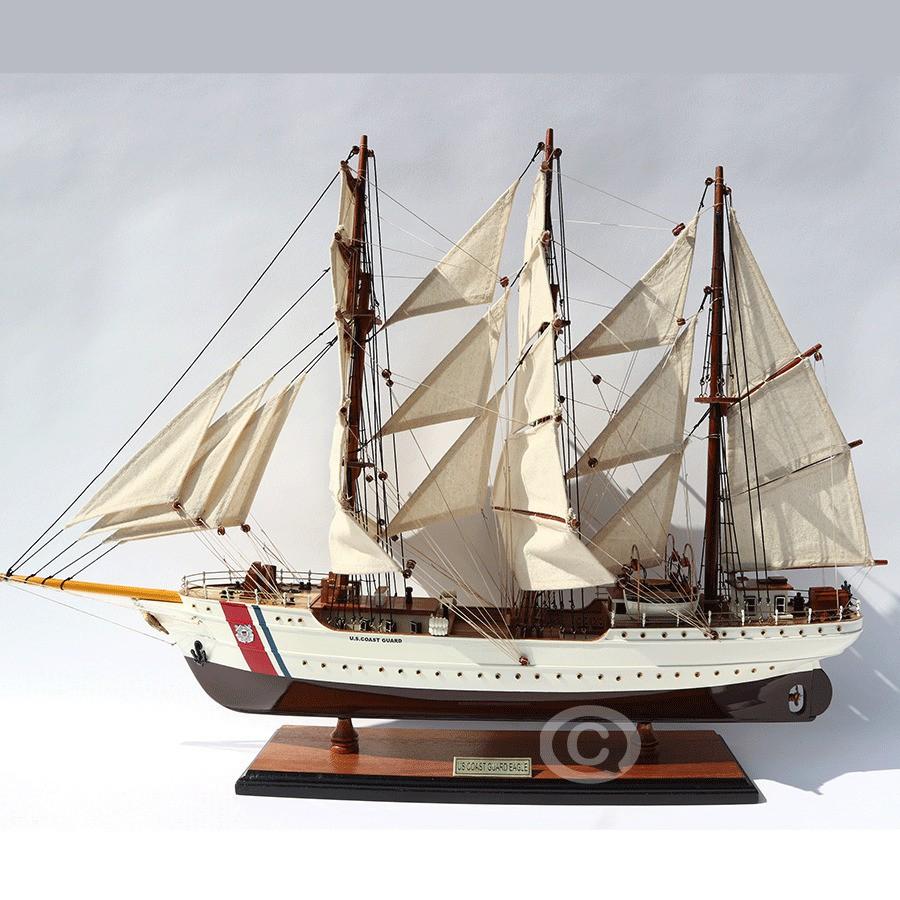 Thuyền gỗ US COAST GUARD EAGLE