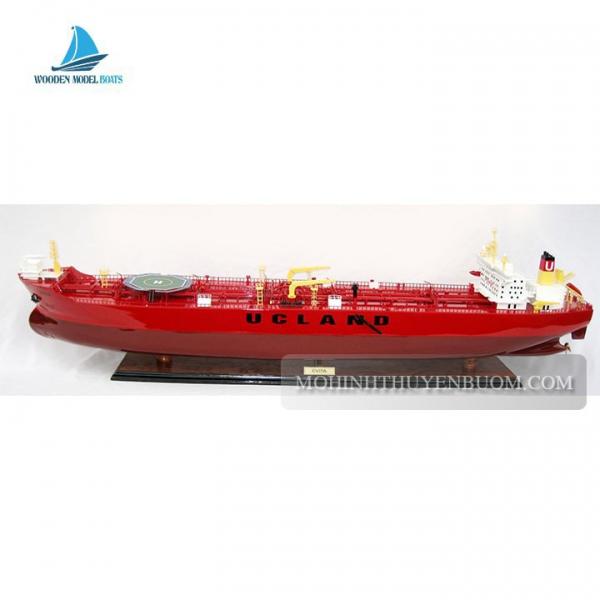 Evita Oil Tanker Min