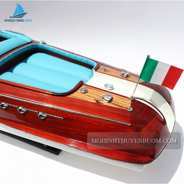 Super Riva Aquarama Blue 4 Min