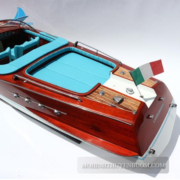 Super Riva Lamborghini 4 Min